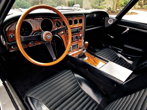 toyota 2000gt the first japanese supercar amazing cars. Black Bedroom Furniture Sets. Home Design Ideas
