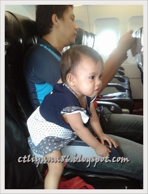 pengalaman bawa anak kecil menaiki kapal terbang