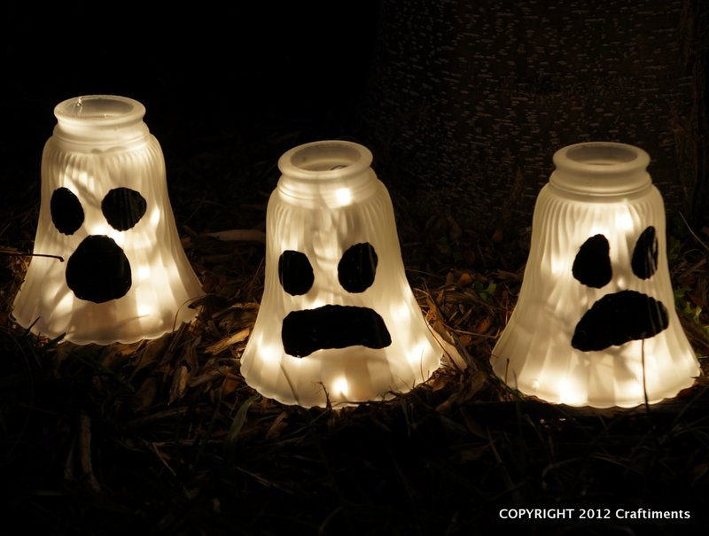 Craftiments: Glass Shade Ghosts - Halloween Yard Decorations
