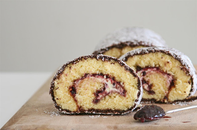 Cakelets And Doilies Lamington Roll