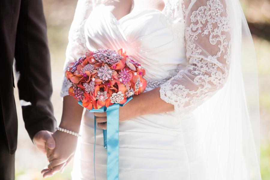 wedding brooch bouquet, diy wedding brooch bouquet