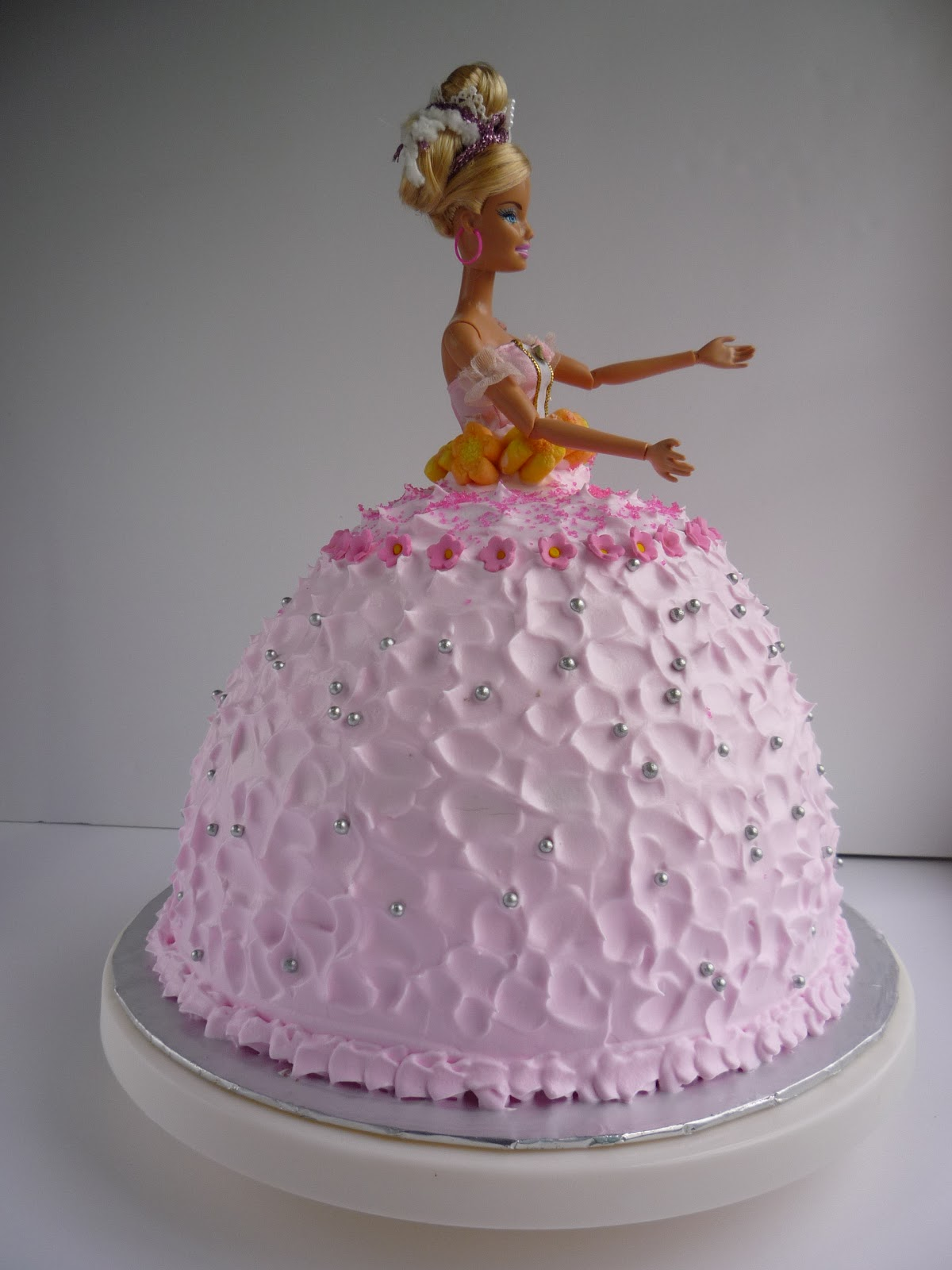 Barbie Doll Cake Decorating Ideas : Barbie Doll Cake