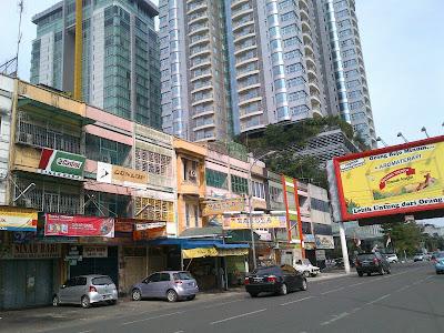 Grand Swiss-Belhotel Medan view dari arah Jl. Gadjah Mada
