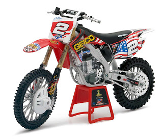 3000toys com  NEW 1 12 Racing Bikes from New Ray