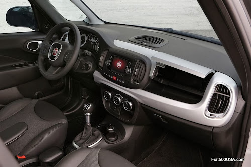 Fiat 500L Beats Edition interior