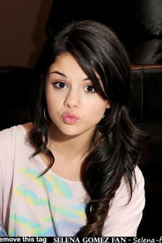 selena gomez wallpaper for laptop. selena gomez wallpaper who