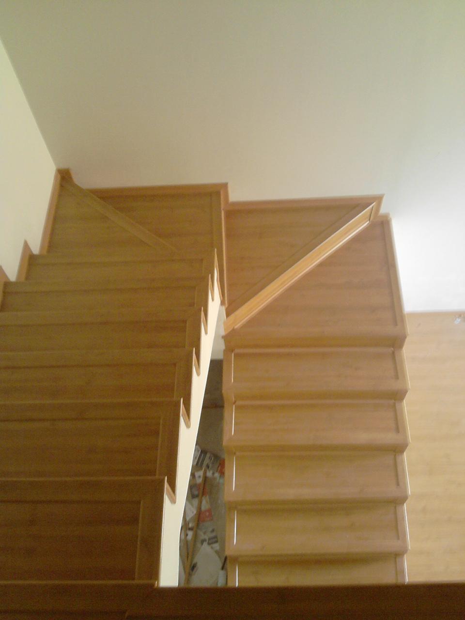 Rafael pereira escada feita com piso laminado durafloor studio freijo - Compartir piso en malta ...