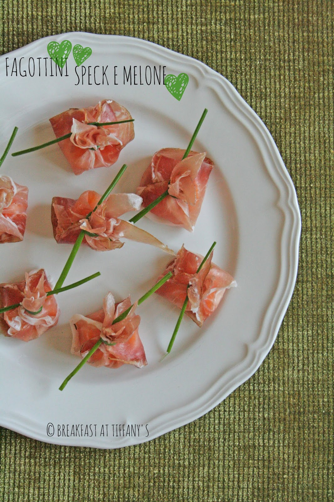 fagottini speck e melone / speck & melon turnovers recipe