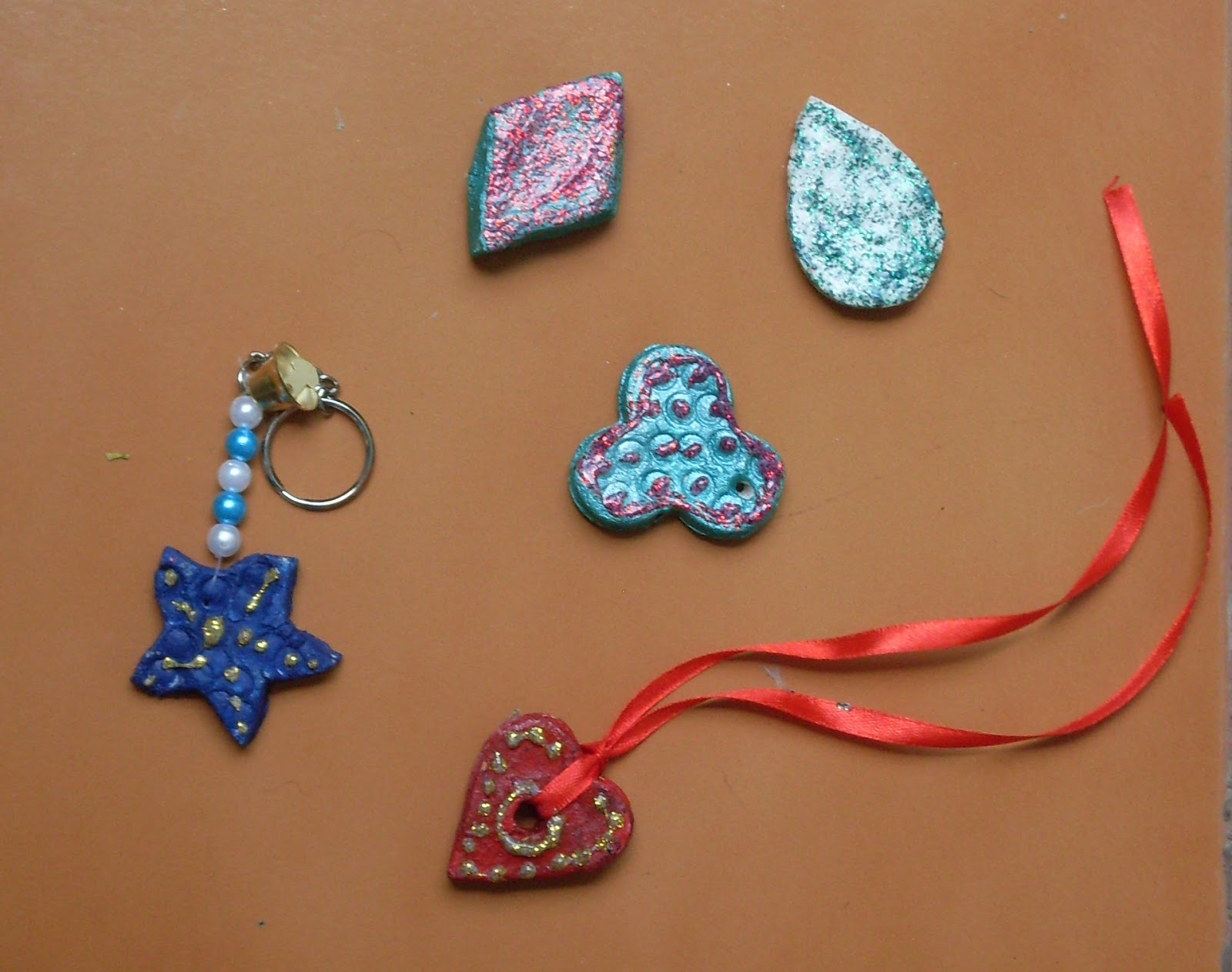 how to make a locket out of clay