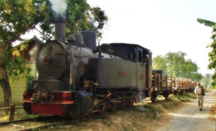 Hasil gambar untuk lokomotif cepu