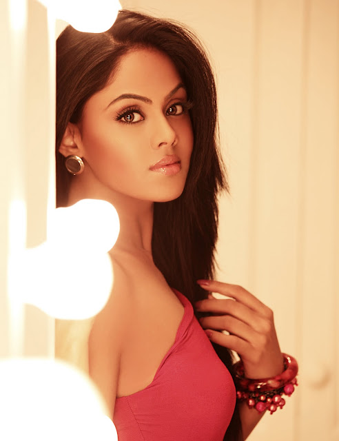 Karthika UHQ Hot Photoshoot Stills