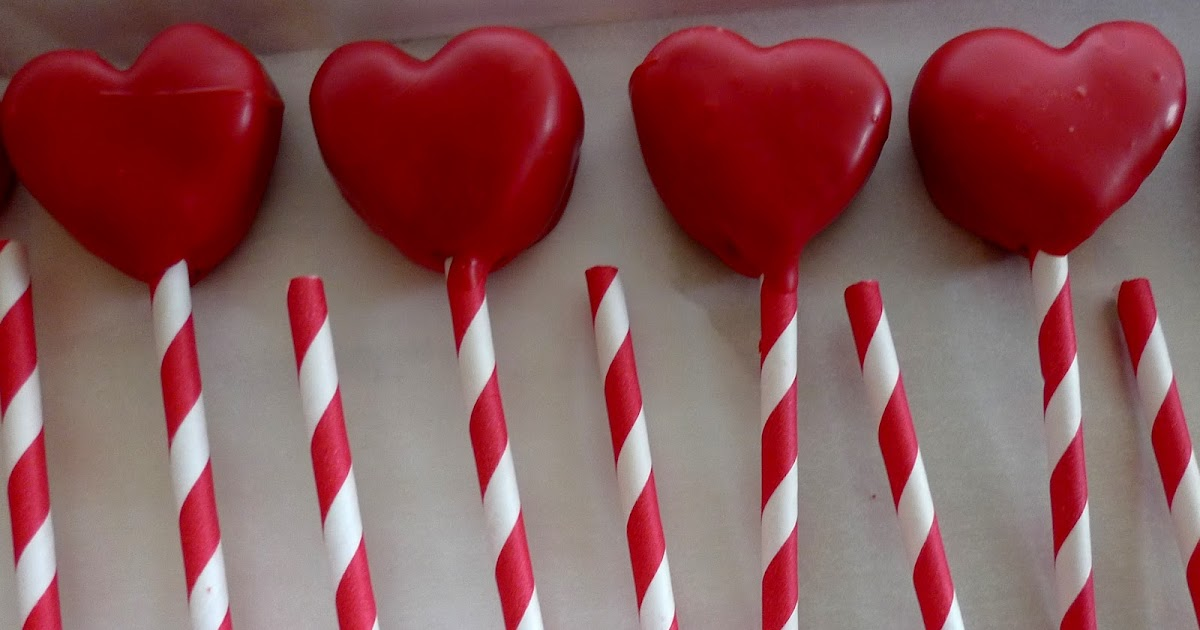 Heart Shaped Red Velvet Cake Pops