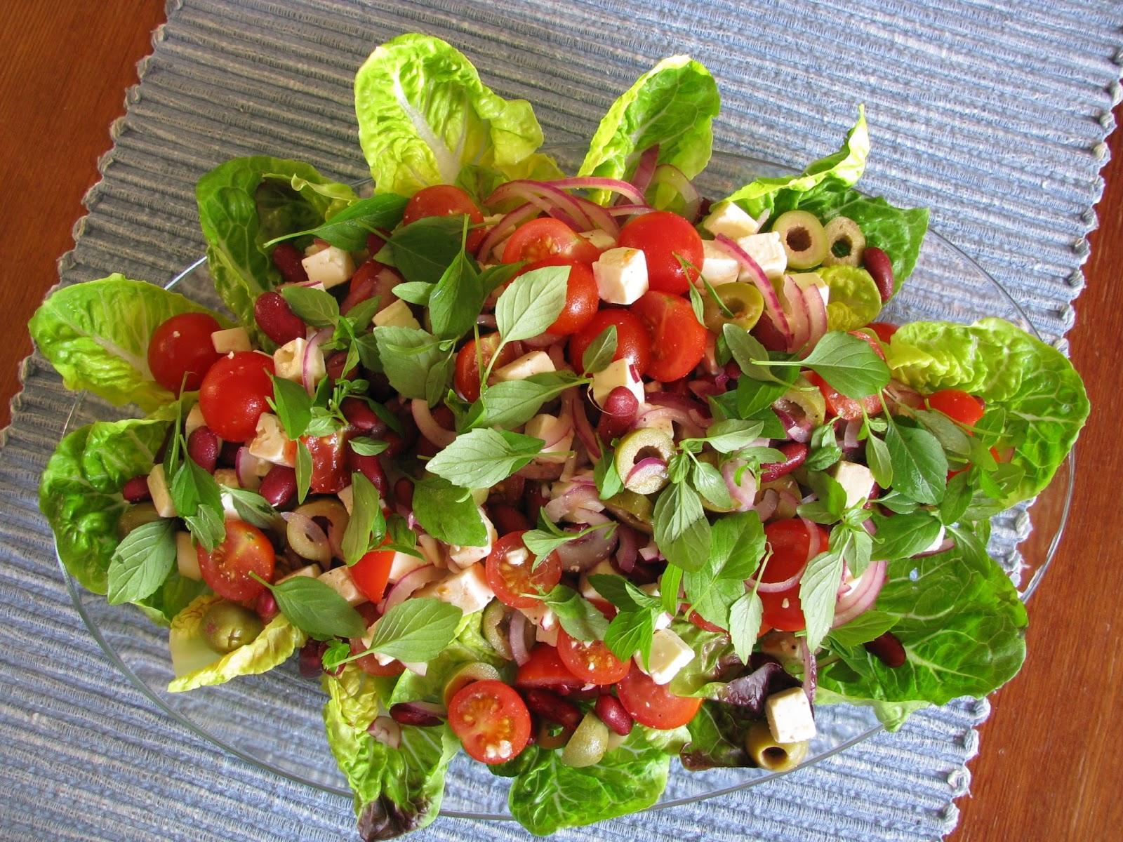 hyvä salaatti kalalle