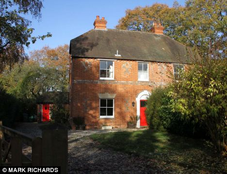 Kate Middleton 39 S Charming Childhood Home In The Berkshire
