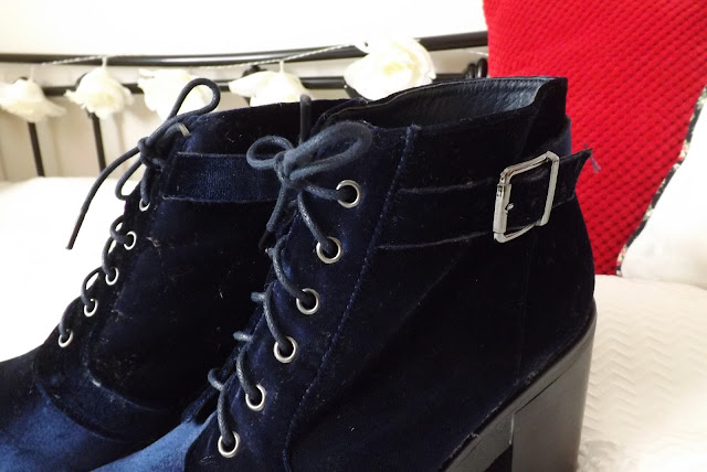 Blue Velvet Boots - Details