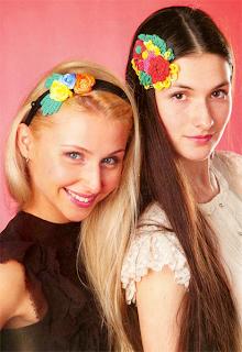 Изготовление ободка для волос с вязаными крючком цветами