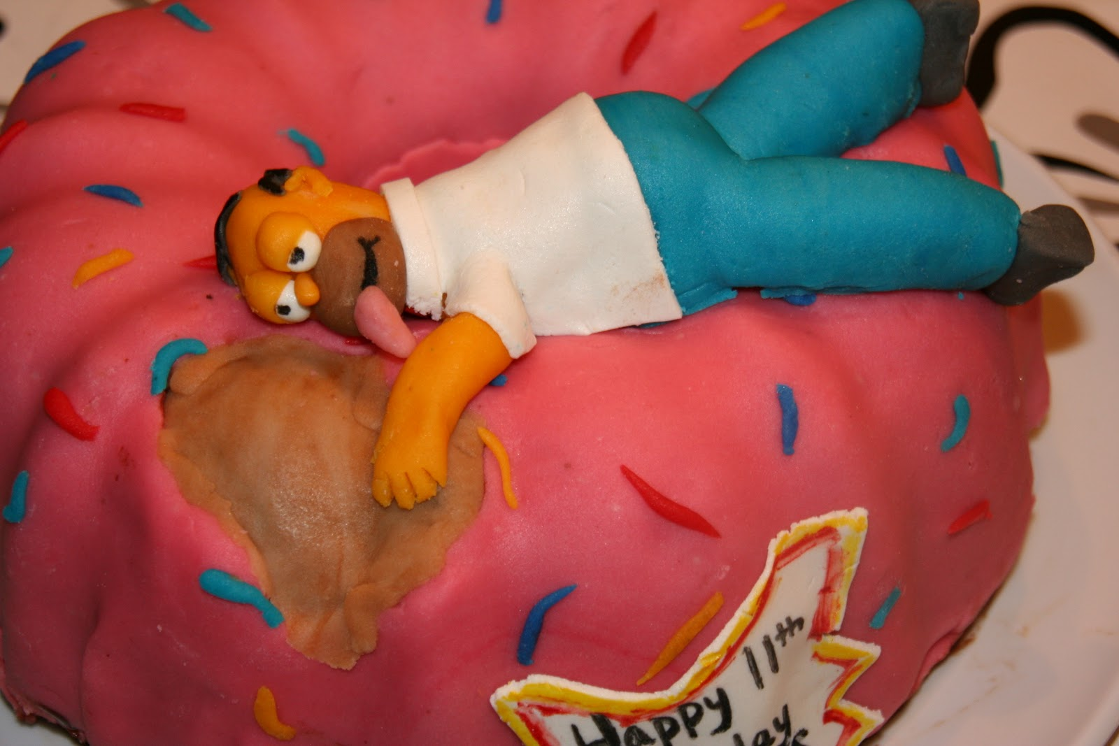 Courtney S Cookies Cakes Amp More Homer Simpson Kake