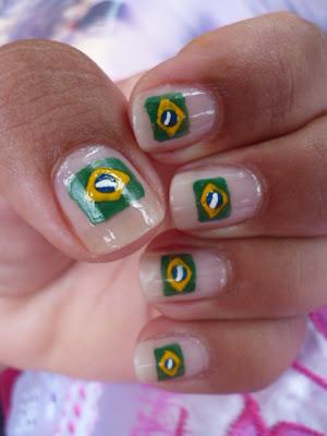 unha decorada com a bandeira do brasil passo a passo