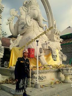 Pura Ida Hyang Ganesha di Pulau Menjangan