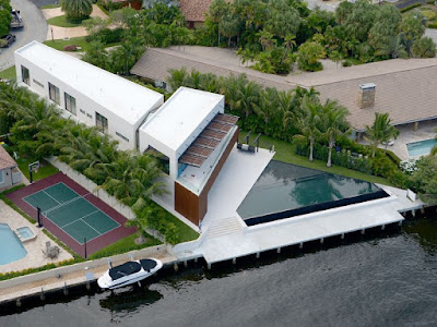 South Florida modern homes and architecture by broker special Tobias Kaiser
