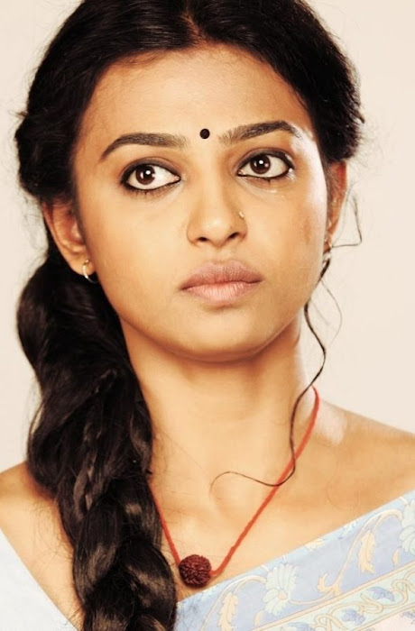 radhika apte in saree - raktha charithra movie hot photoshoot