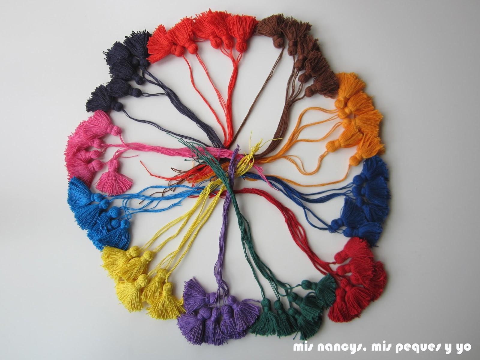 mis nancys, mis peques y yo, tutorial DIY borlas colores conjunto