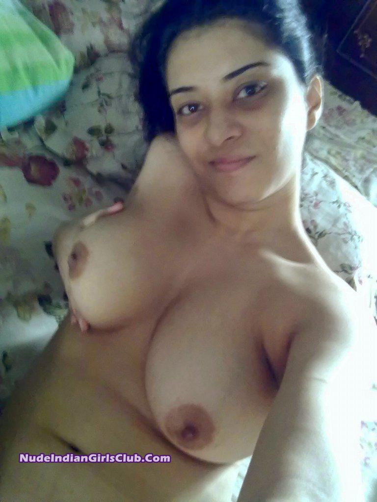 Charming Pakistani girls suck naked