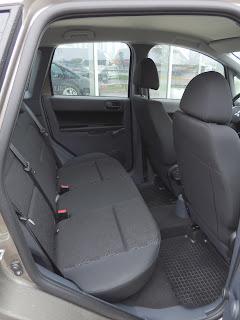 Mitsubishi Colt - tylna kanapa