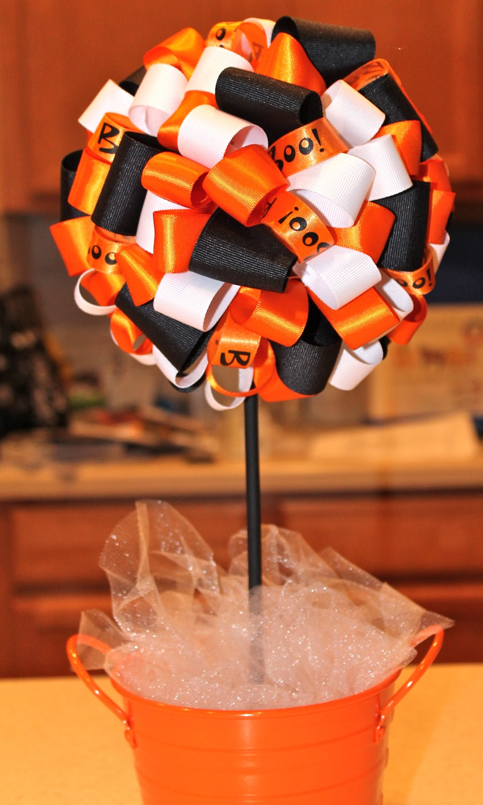 Desperate Craftwives Halloween Ribbon Topiary