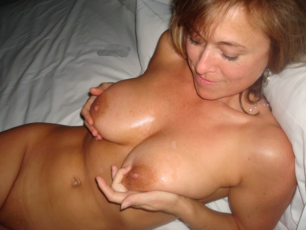 nude milf in bed, hot mature boobs, sexy tan body, hot tits