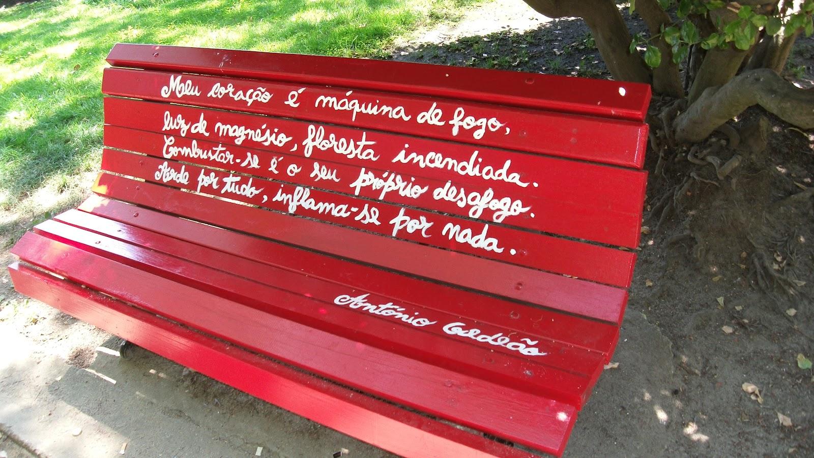 banco de jardim poesia: simples: poesia em bancos de jardim (Largo Luís de Camões