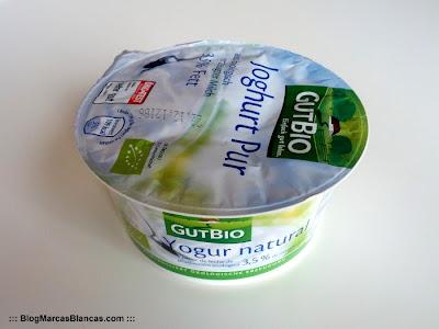 Yogur natural ecológico GUTBIO de Aldi. Extra-cremoso y con leche entera de ganadería ecológica.