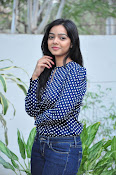Nithya Shetty dazzling photo shoot-thumbnail-13
