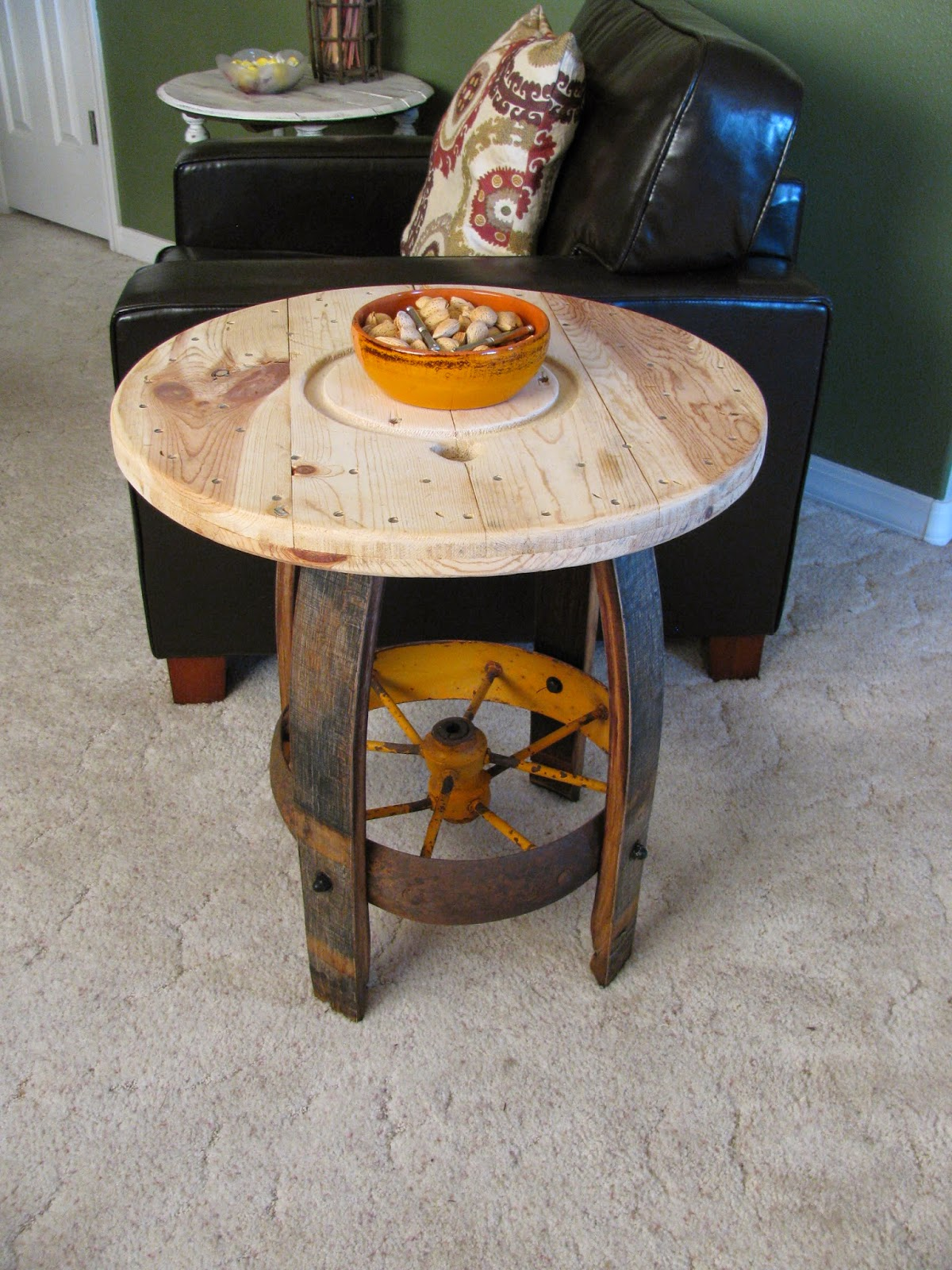 Reclaimed Rustics RUSTIC WHEEL END TABLE