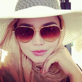 Siti Nurhaliza - Ayah Dan Ibu (LIVE Konsert) MP3