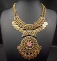 http://www.stylemoi.nu/gold-coin-trim-pink-stone-bib-necklace.html