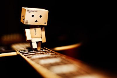 Danbo Tolong Gitar