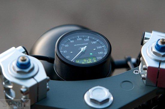 CUSTOM-MOTORCYCLE-www.hydro-carbons.blogspot.com-CAFE-RACER -SPIRIT 7 -YAMAHA -XS750-Speedo-meter