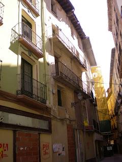 Casa a punto de derribo en la calle Bodeguilla de Calatayud