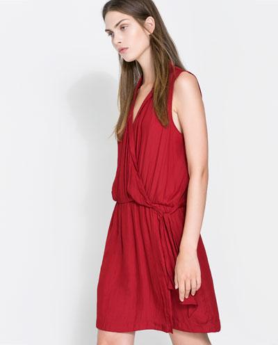 pileli kemerli bağcıklı kolsuz kırmızı kısa elbise