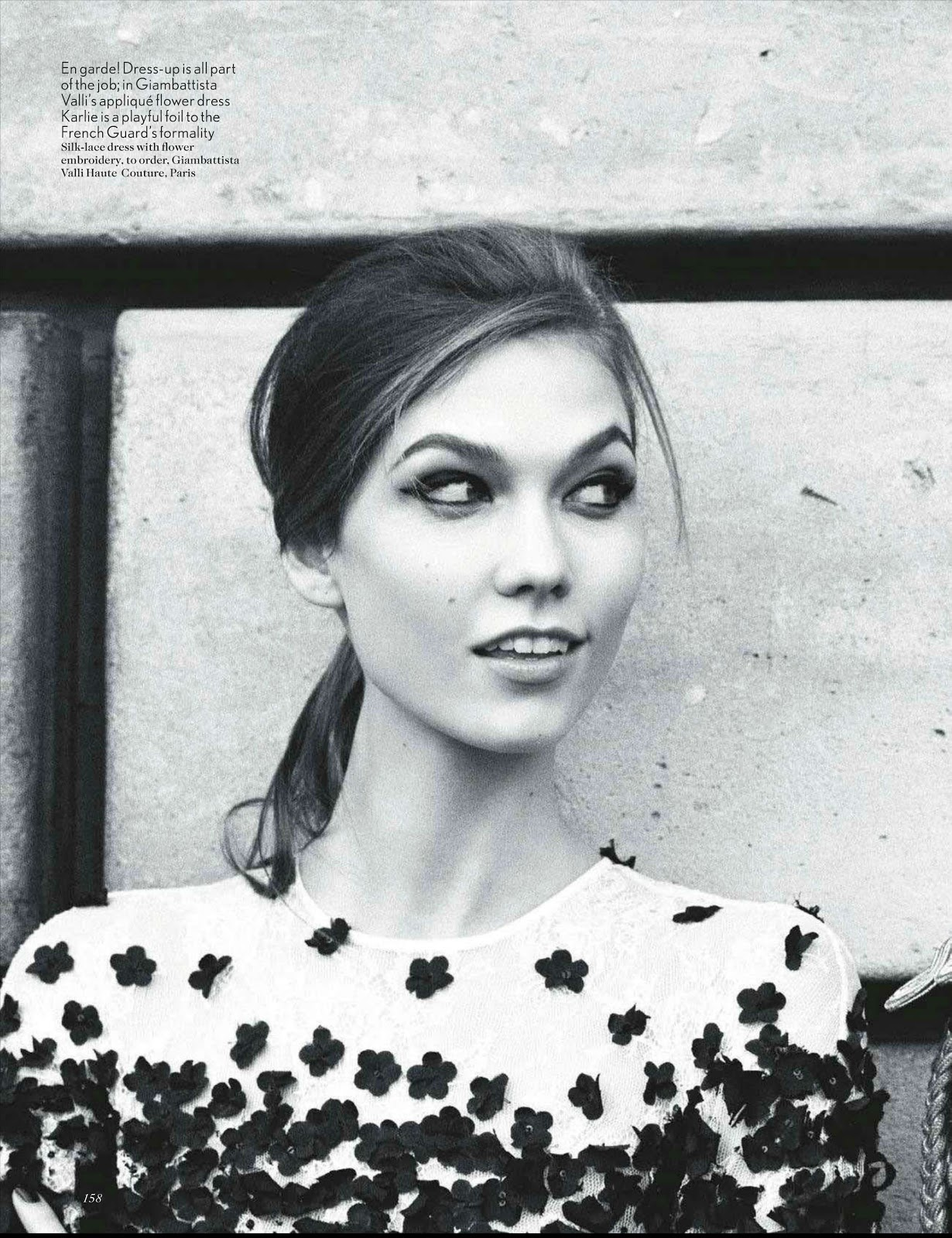 http://2.bp.blogspot.com/-nhB8N54SeJA/UNGvfSXMW-I/AAAAAAAAFhQ/PS7GXkrrwLc/s1600/Vogue-UK-May-2012-Karlie-Kloss-09.jpg