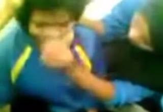 Lagi [VIDEO] Pelajar Perempuan Dibuli, Rambutnya Dipotong, Sokin Busuk Disumbat Ke Dalam Mulut
