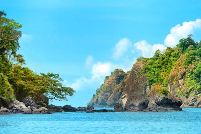 Pantai Sipelot di Kab. Malang