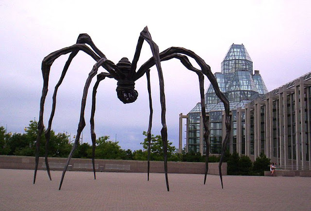 Maman - Louise Bourgeois - Imagen en Dominio Público Fuente: http://commons.wikimedia.org/wiki/File:NGC_Maman.JPG