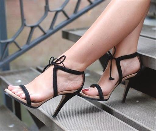 model sepatu dan sandal heels tali wanita terbaru