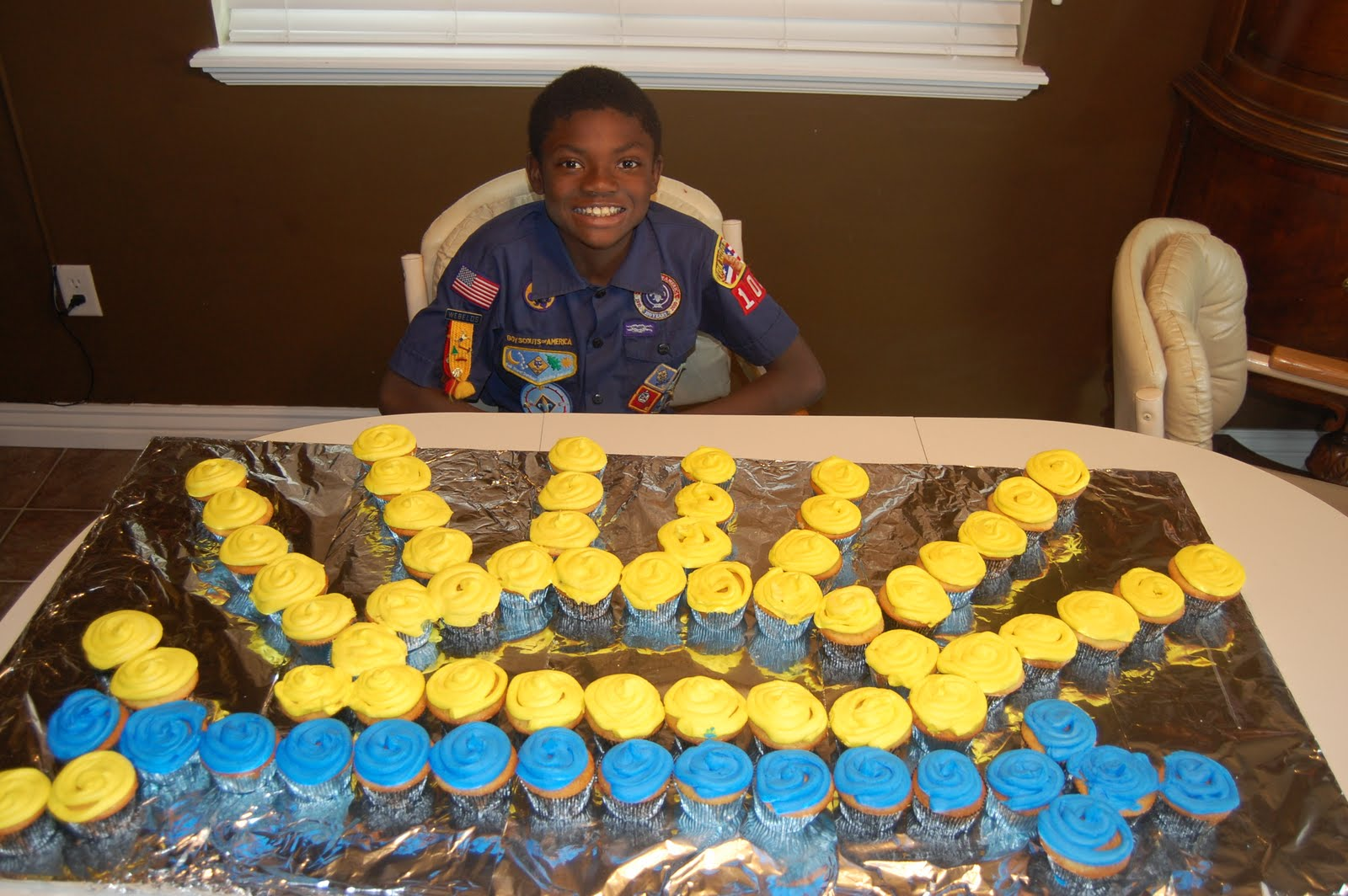 ... For Of Refreshments Ceremony Arrow Light Boy Blue Ideas Scout Gold  Party Banquet Invitations And Centerpieces ...