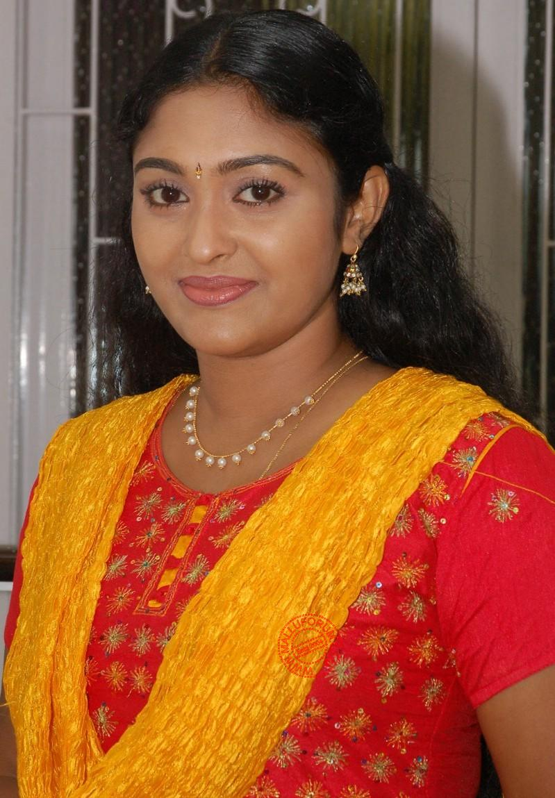 Sreeja Chandran - Leading TV Actresses - TV%2BActress%2BSreeja%2BChandran%2Bfull%2B%2525281%252529