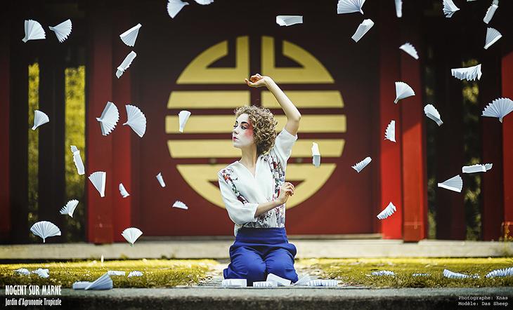 Photographie artistique par Knas. Modèle, blogueuse mode Das Sheep dans un look japonais.