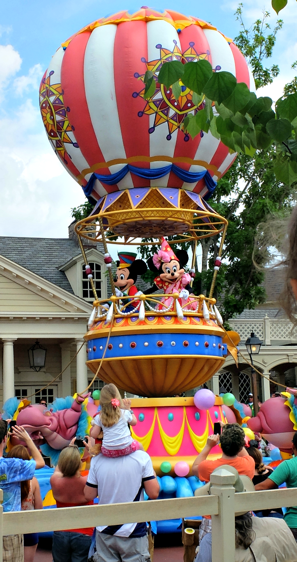 Walt Disney World Resort, Magic Kingdom, Disney World Parades