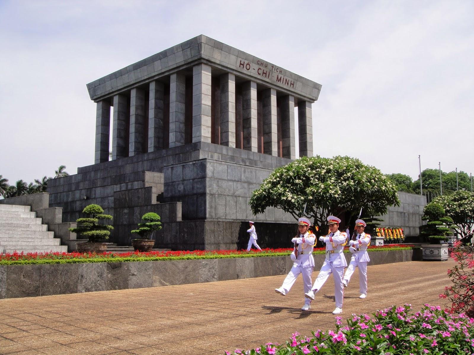 Cambio de guardia Hanoi Vietnam